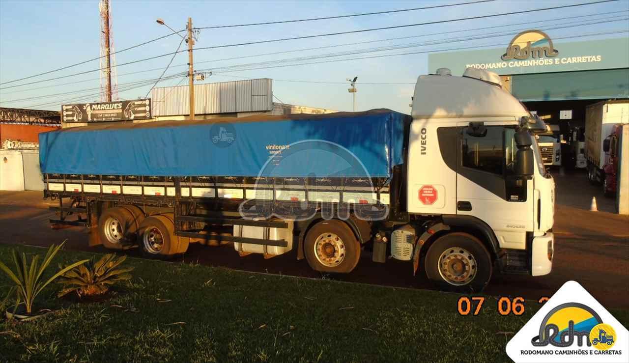 CAMINHAO IVECO TECTOR 240E28 Graneleiro BiTruck 8x2 Rodomano Caminhões e Carretas RIO VERDE GOIAS GO