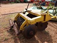 GRADE ARADORA ARADORA 14 DISCOS  2000 Terra Santa Implementos Agrícolas
