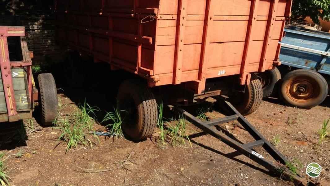 CARRETA AGRÍCOLA CARRETA CARROCERIA  2000 Terra Santa Implementos Agrícolas