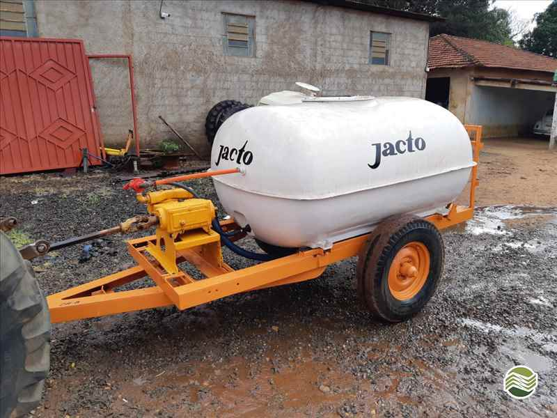 JACTO TANQUE  2000/2000 Terra Santa Implementos Agrícolas