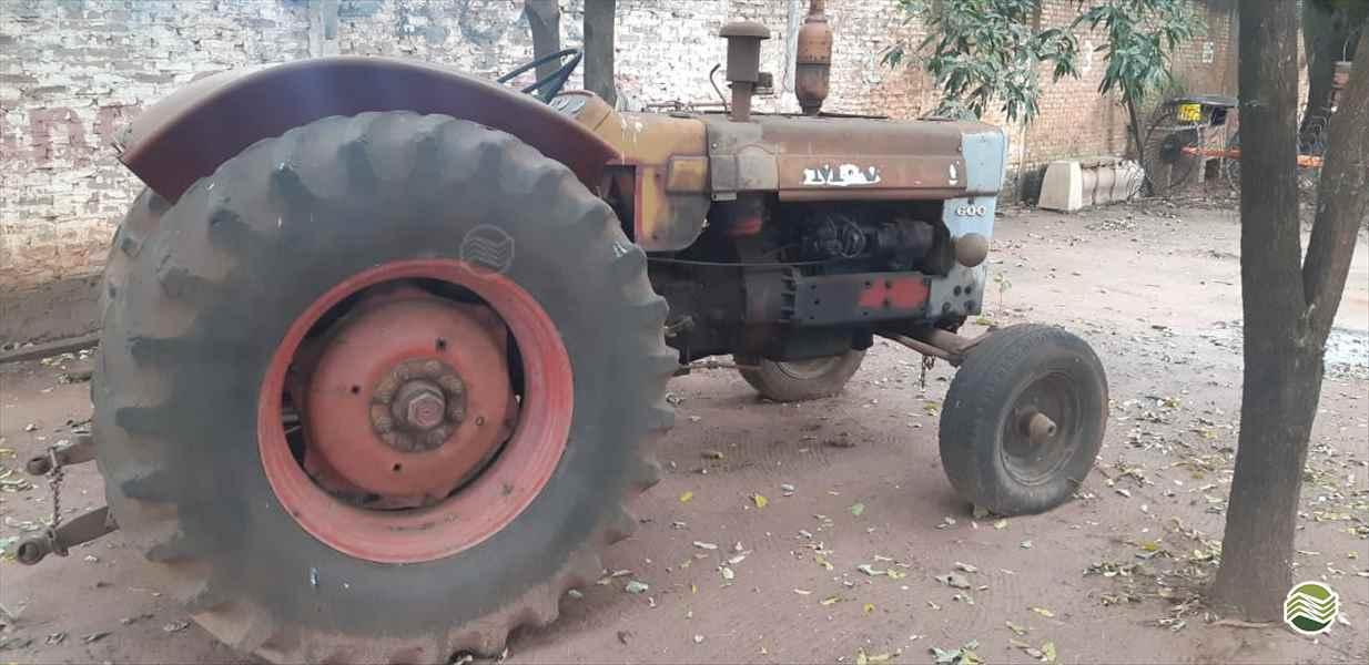 ANTIGOS INTERNACIONAL  2000/2000 Terra Santa Implementos Agrícolas