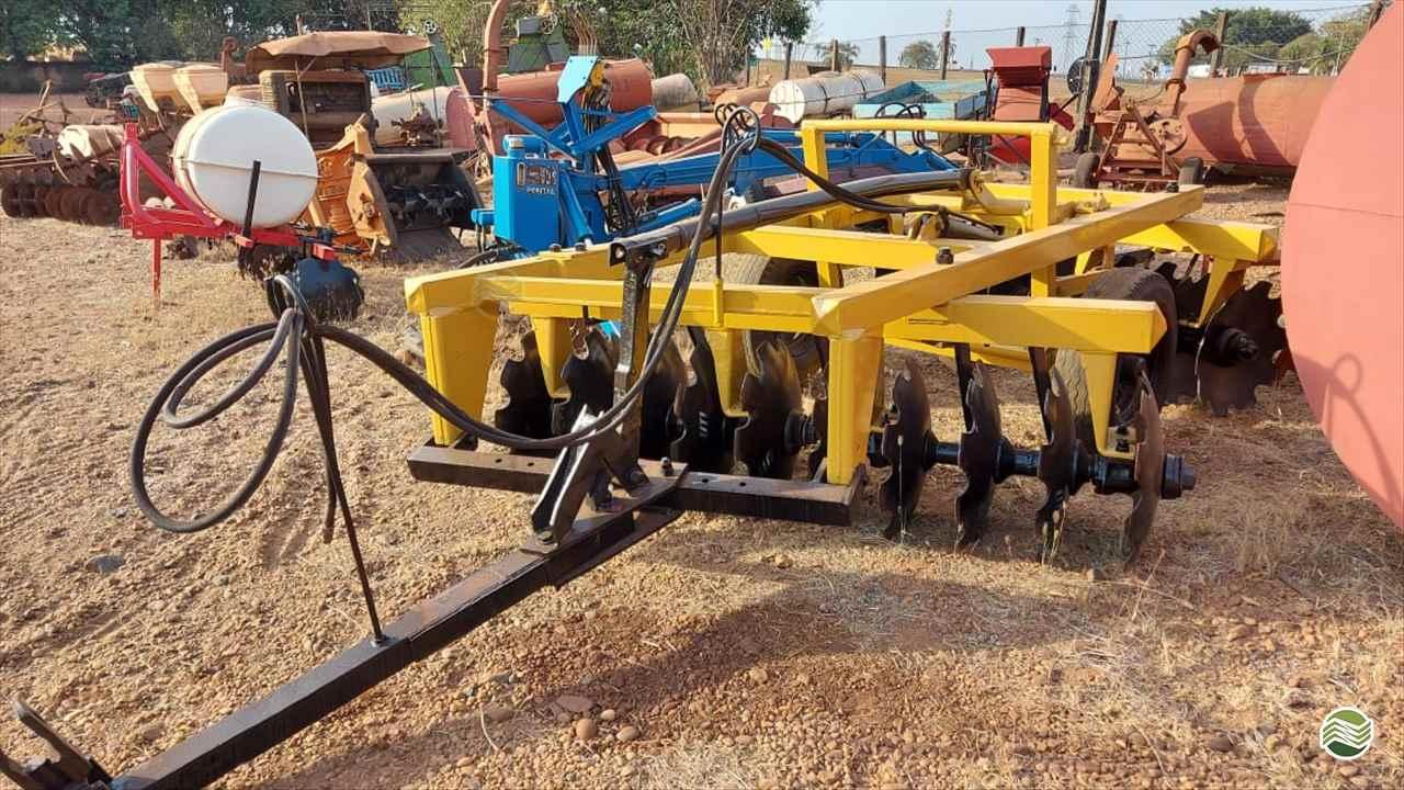 GRADE ARADORA ARADORA 20 DISCOS  20 Terra Santa Implementos Agrícolas