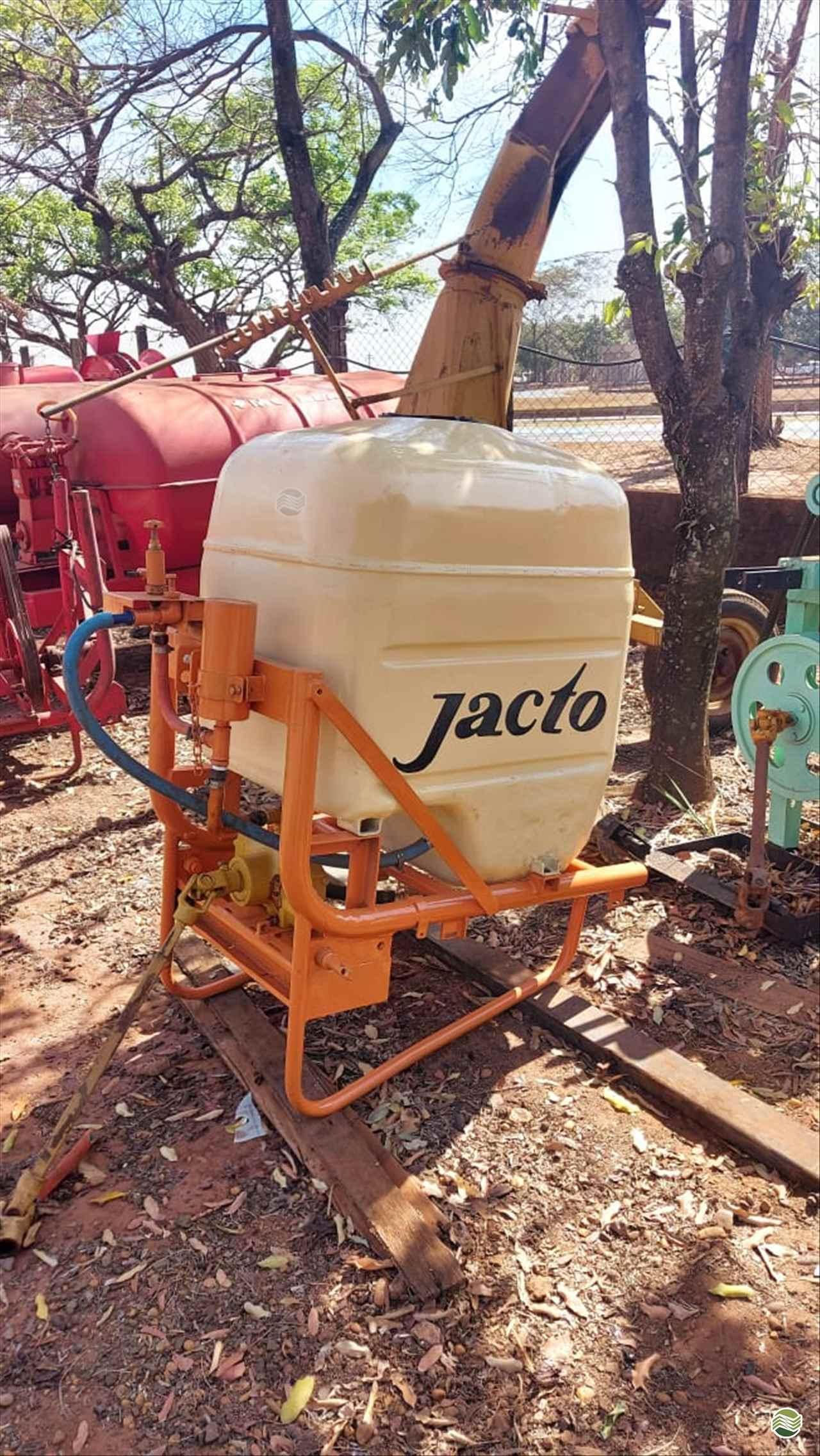 PULVERIZADOR JACTO PJ 500 L Acoplado Hidráulico Terra Santa Implementos Agrícolas BEBEDOURO SÃO PAULO SP