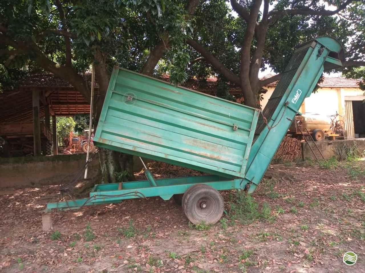 CARRETA BASCULANTE de Terra Santa Implementos Agrícolas - BEBEDOURO/SP