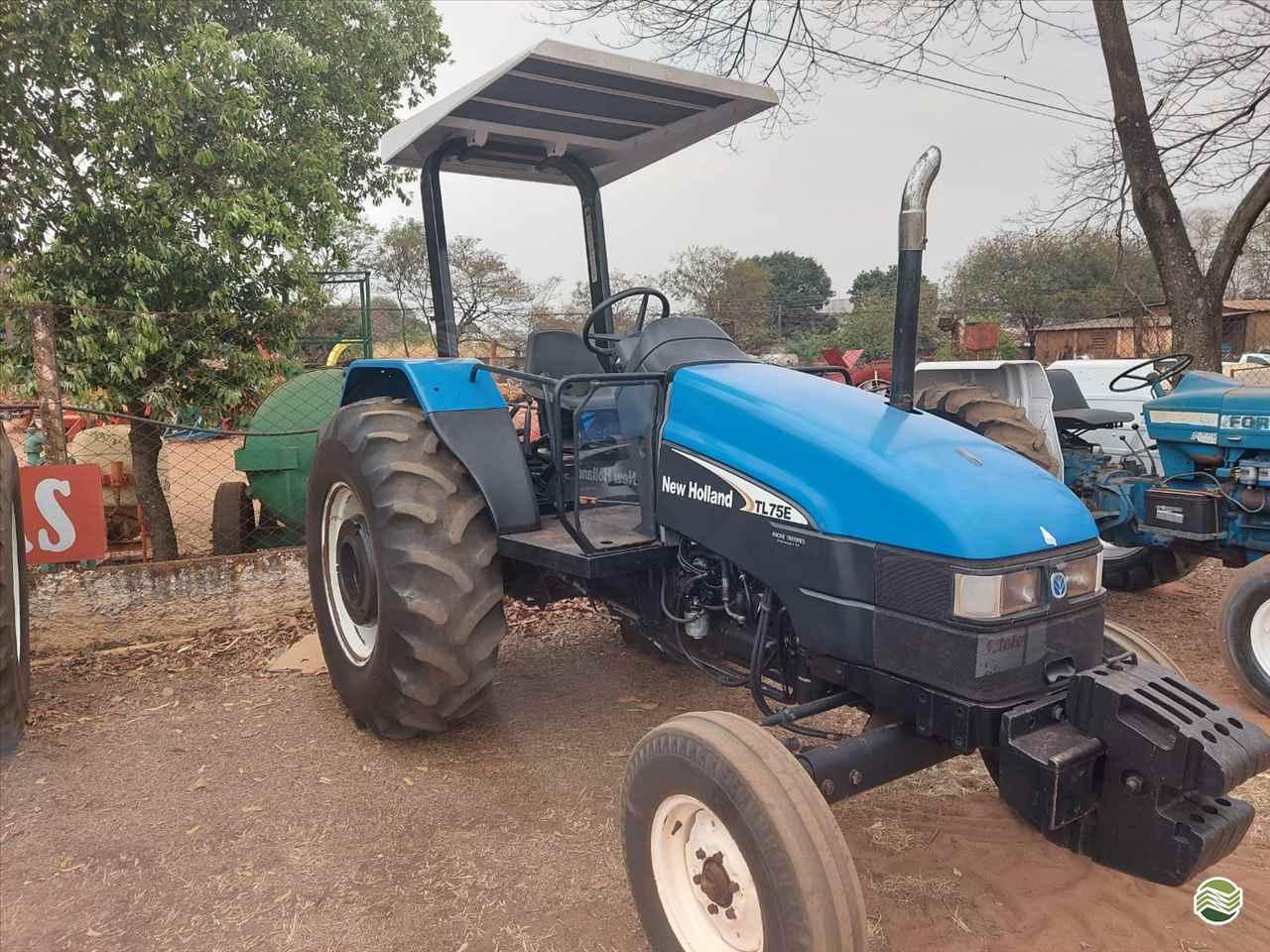 TRATOR NEW HOLLAND NEW TL 75 Tração 4x2 Terra Santa Implementos Agrícolas BEBEDOURO SÃO PAULO SP