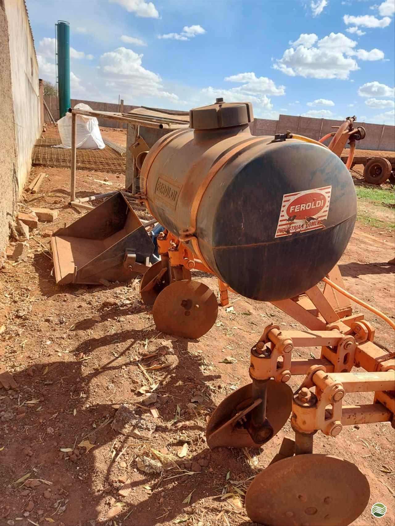 IMPLEMENTOS AGRICOLAS CULTIVADOR 2 LINHAS Terra Santa Implementos Agrícolas BEBEDOURO SÃO PAULO SP