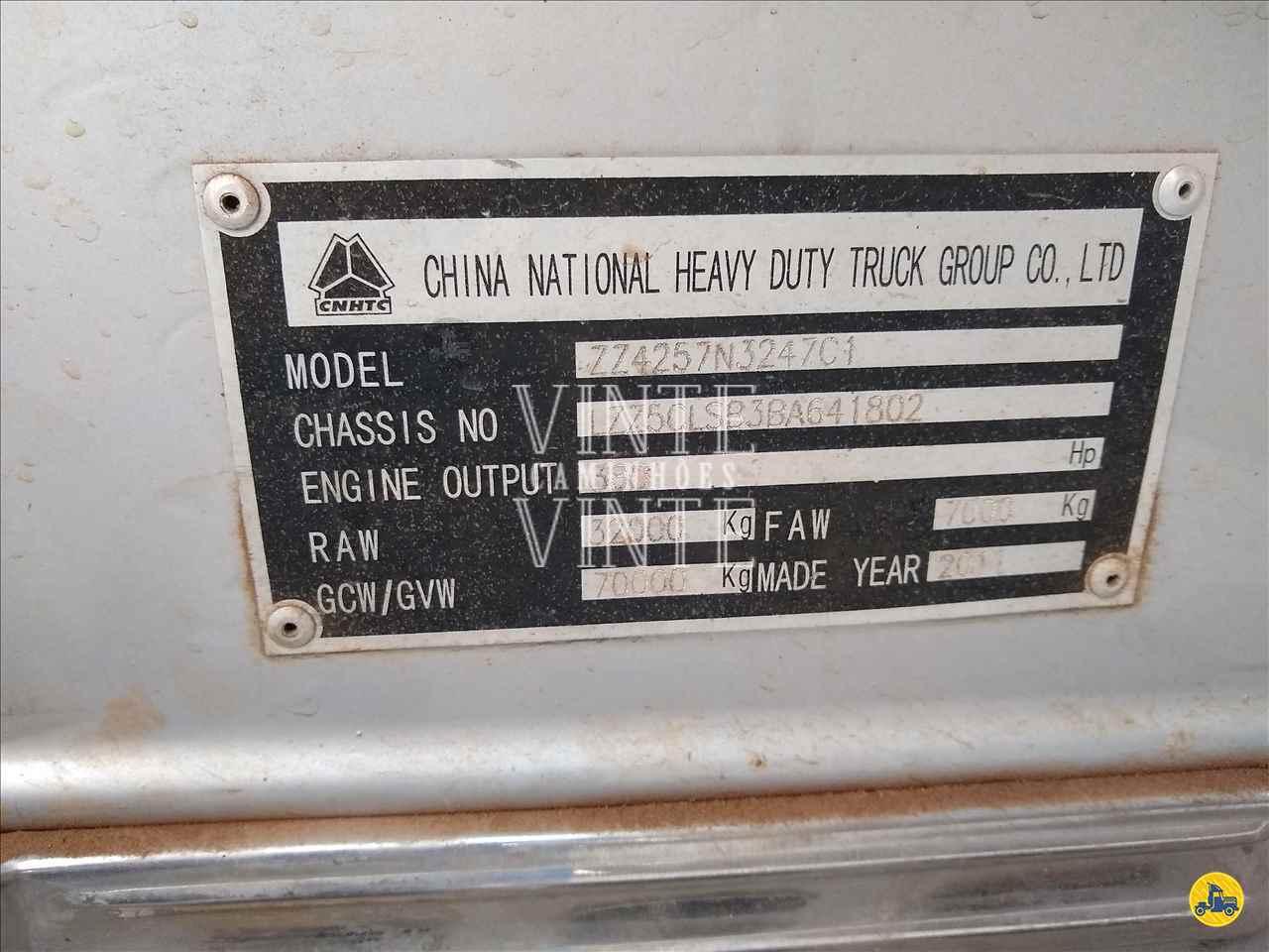 SINOTRUK HOWO 380 210000km 2011/2011 Vinte-Vinte Caminhões