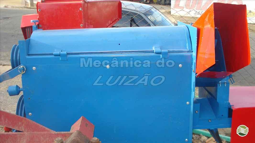 COLHEDORAS BATEDEIRA DE CEREAIS  2000 Mecânica do Luizão