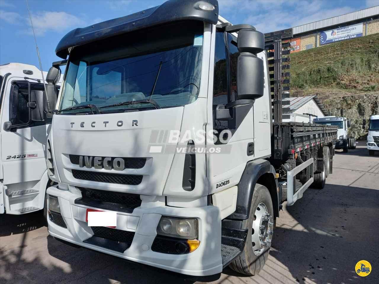 CAMINHAO IVECO TECTOR 240E25 Carga Seca Truck 6x2 Basso Veículos GARIBALDI RIO GRANDE DO SUL RS
