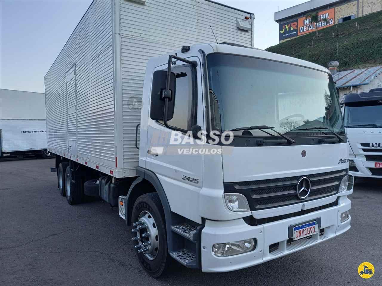CAMINHAO MERCEDES-BENZ MB 2425 Baú Furgão Truck 6x2 Basso Veículos GARIBALDI RIO GRANDE DO SUL RS