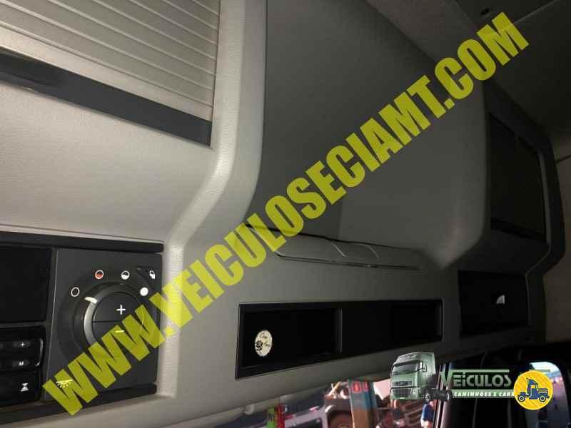 VOLVO VOLVO FH 540  2014/2014 Veiculos e Cia