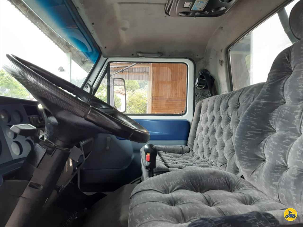 VOLKSWAGEN VW 13180  2003/2004 Schroeder Caminhões