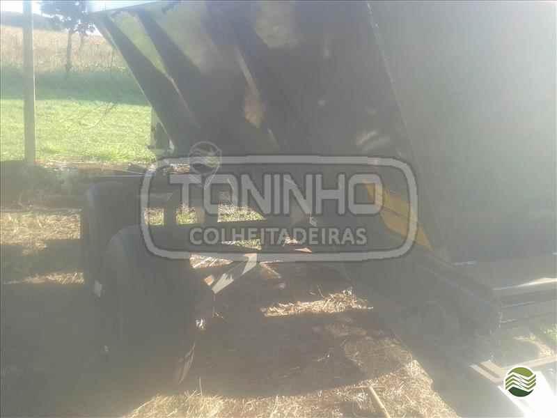 DISTRIBUIDOR CALCÁRIO 8000 Kg  2000 Toninho Colheitadeiras
