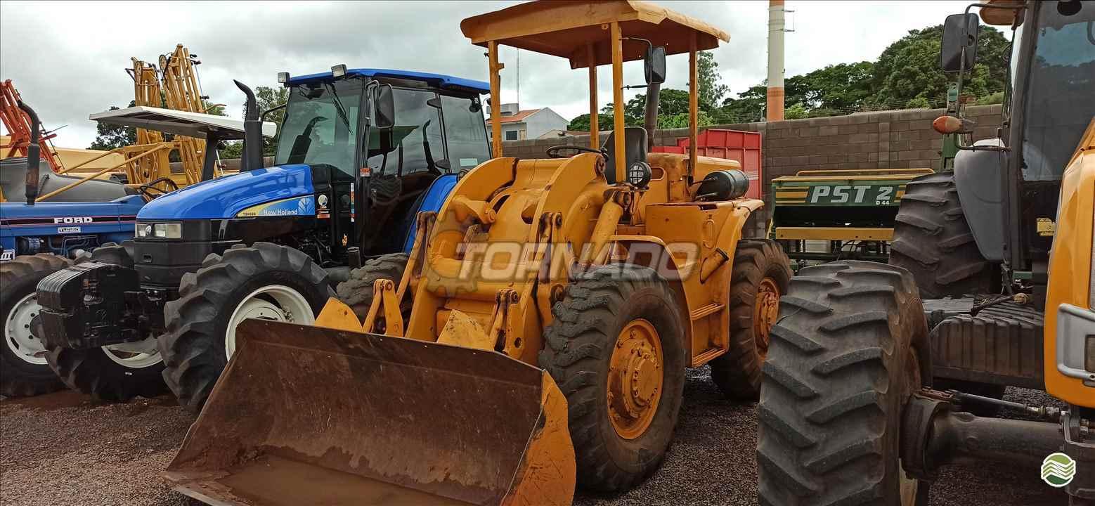 PA CARREGADEIRA CATERPILLAR 922 Tornado Tratores CAMPO MOURAO PARANÁ PR