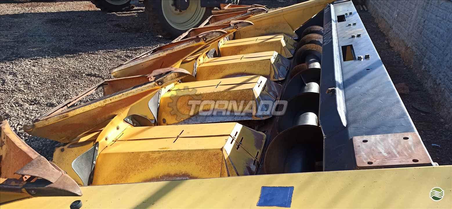 PLATAFORMA COLHEITADEIRA VENCE TUDO PM 5 Linhas Tornado Tratores CAMPO MOURAO PARANÁ PR