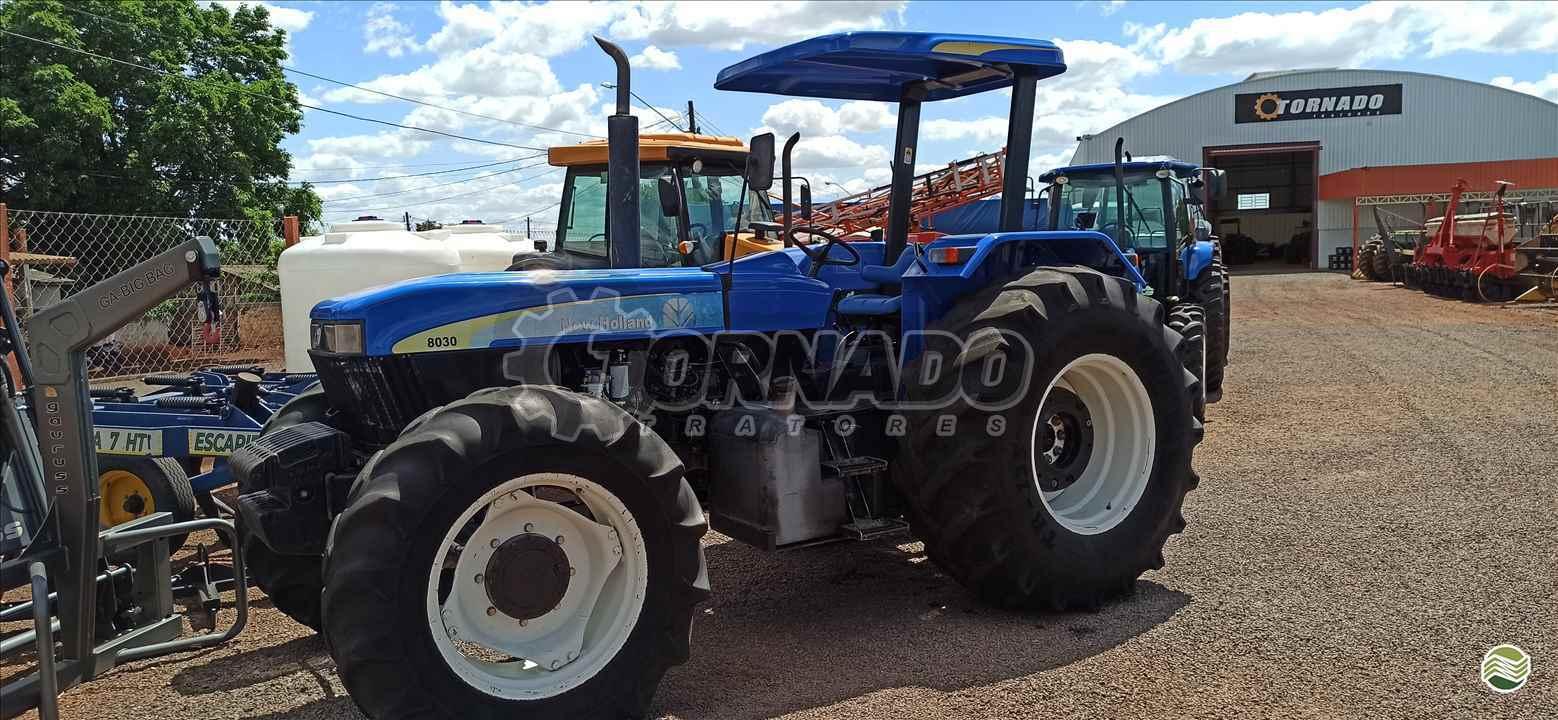 TRATOR NEW HOLLAND NEW 8030 Tração 4x4 Tornado Tratores CAMPO MOURAO PARANÁ PR