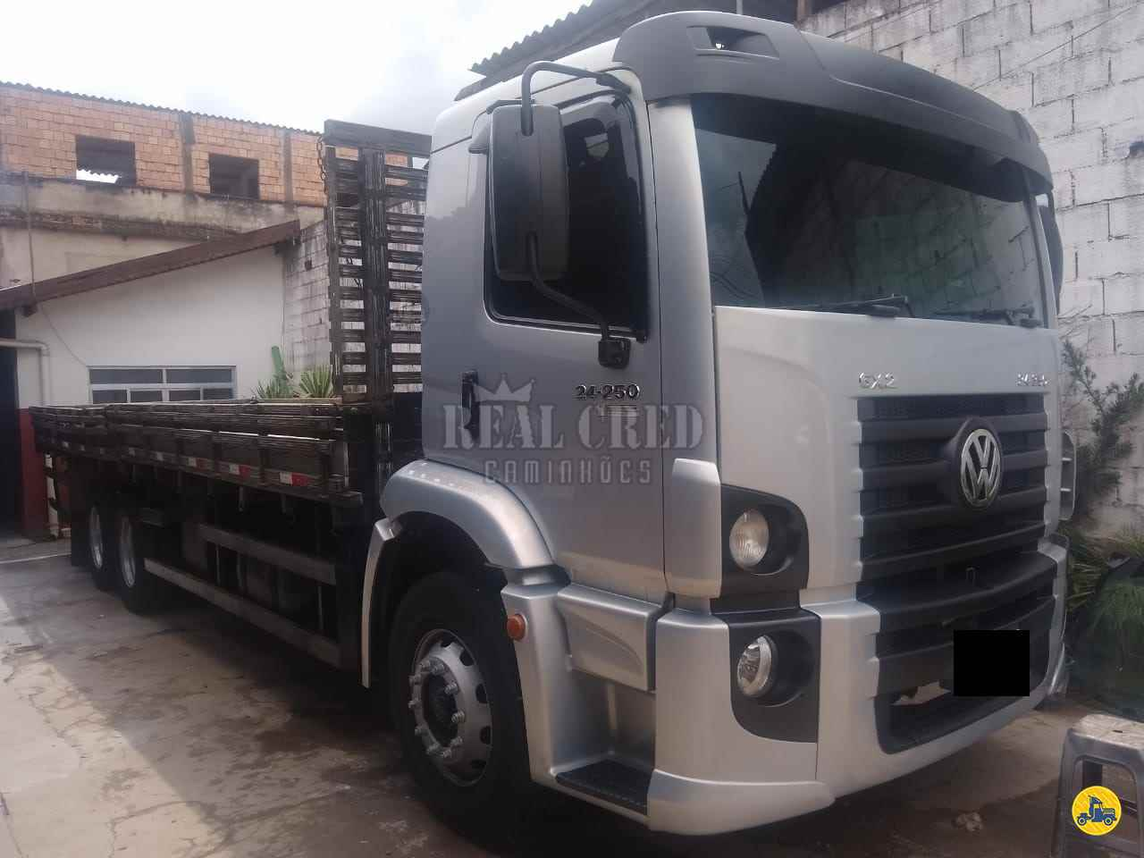 CAMINHAO VOLKSWAGEN VW 24250 Carga Seca Truck 6x2 Real Cred Caminhões PIEDADE SÃO PAULO SP