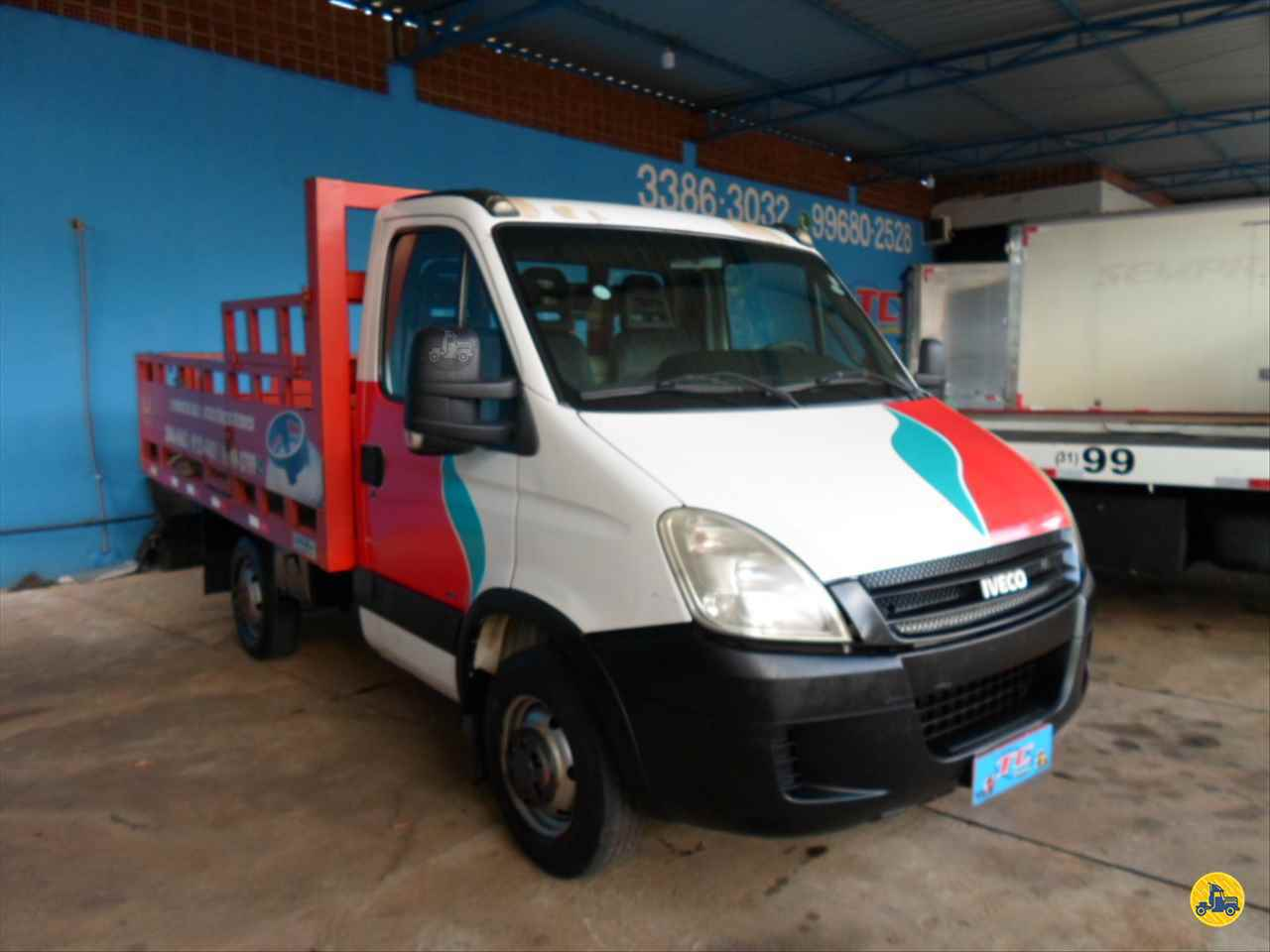 CAMINHAO IVECO DAILY 35s14 Carga Seca 3/4 4x2 TC Caminhões  BELO HORIZONTE MINAS GERAIS MG
