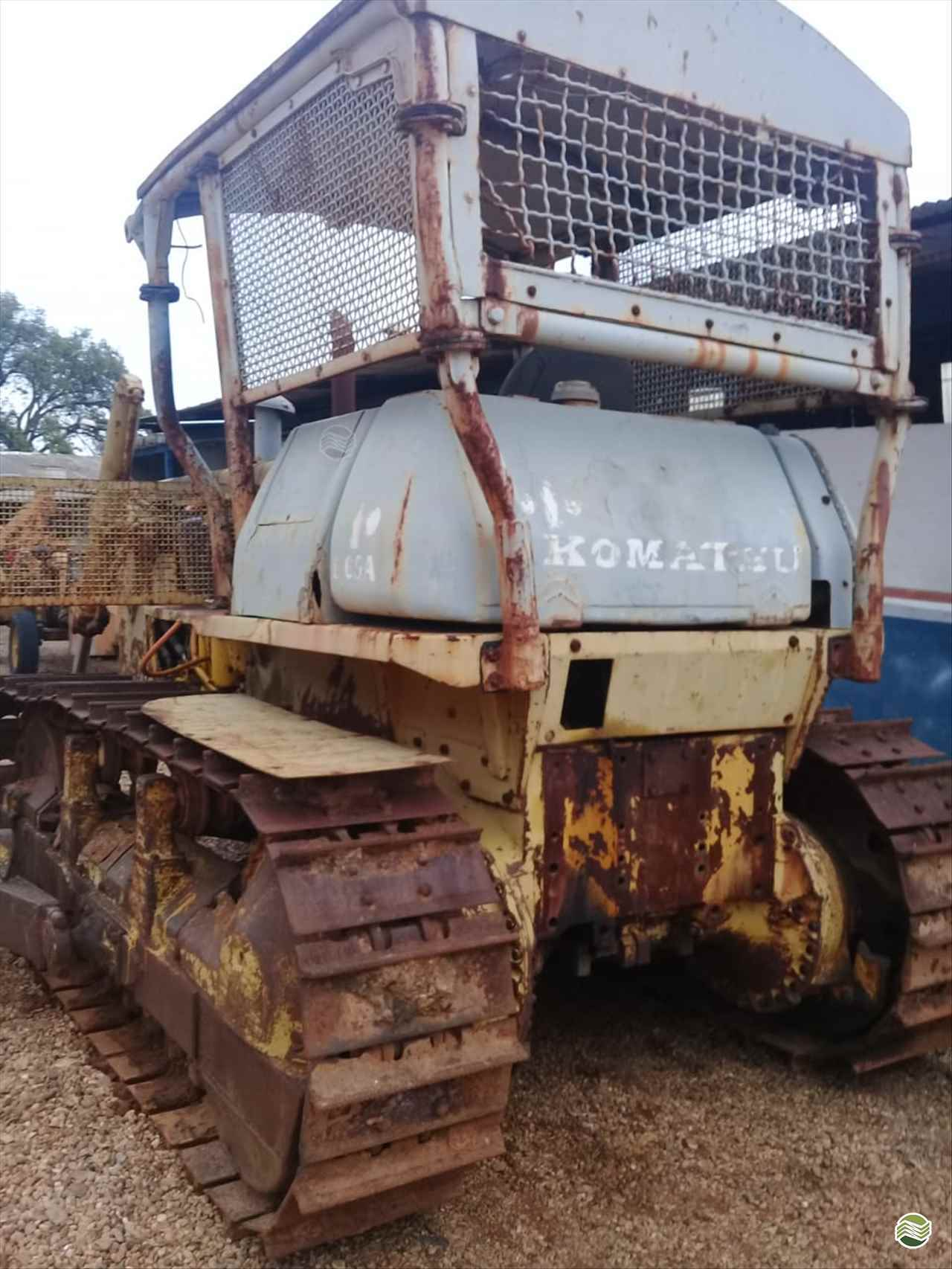 KOMATSU D65  1987/1987 Souza Neto Tratores e Implemento