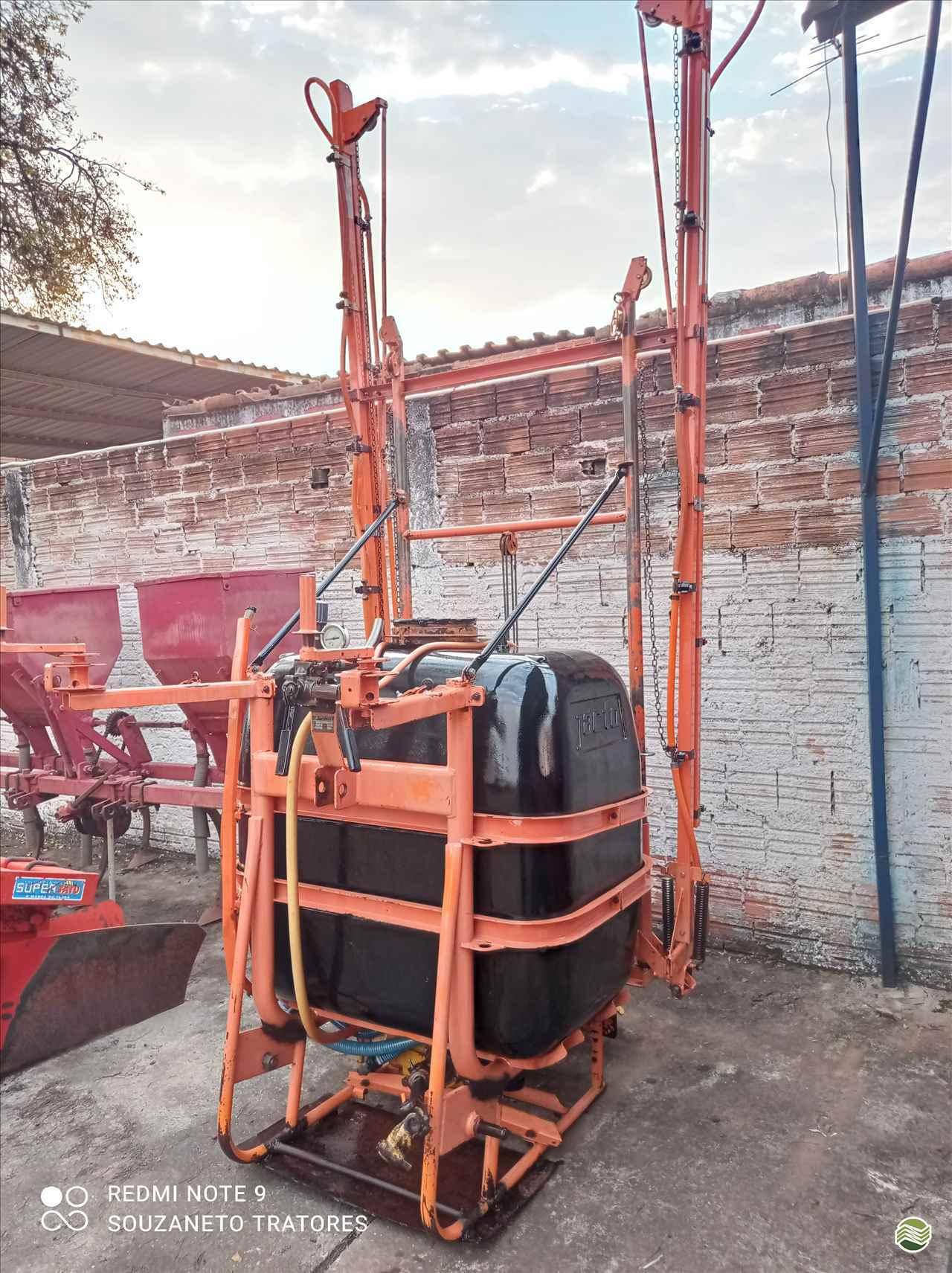 CONDOR 600 M12 de Souza Neto Tratores e Implementos - SAO MANUEL/SP