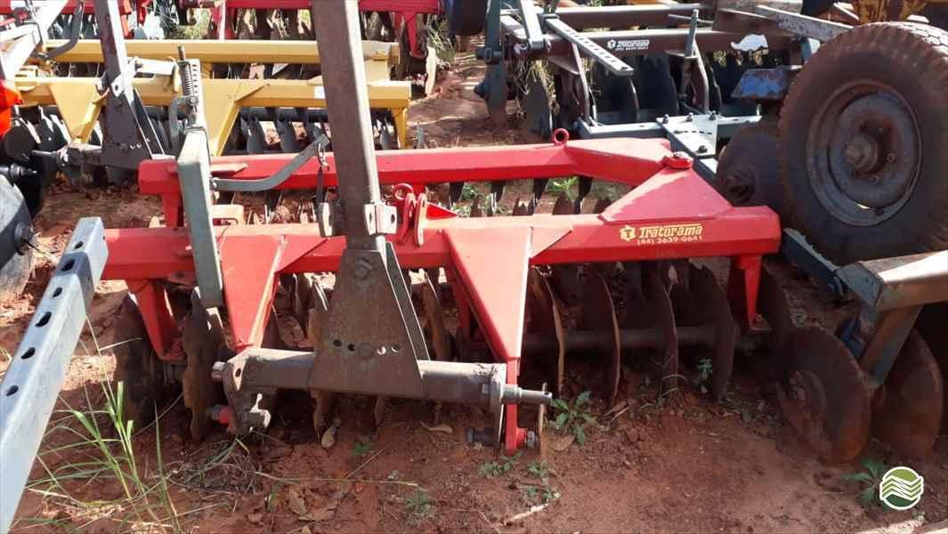 IMPLEMENTOS AGRICOLAS GRADE NIVELADORA NIVELADORA 24 DISCOS Tratorama Máquinas e Implementos UMUARAMA PARANÁ PR
