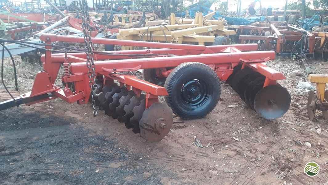 IMPLEMENTOS AGRICOLAS GRADE NIVELADORA NIVELADORA 32 DISCOS Tratorama Máquinas e Implementos UMUARAMA PARANÁ PR