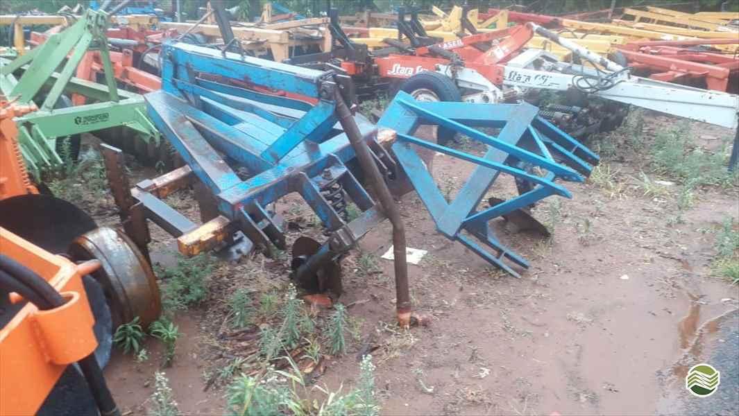 MANDIOCA AFOFADOR DE MANDIOCA  2010 Tratorama Máquinas e Implementos