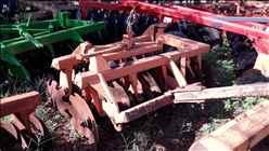 GRADE ARADORA ARADORA 18 DISCOS  1996 Tratorama Máquinas e Implementos