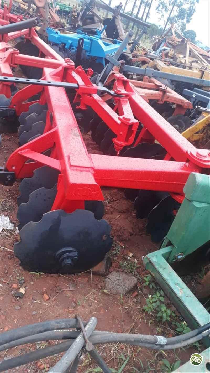 IMPLEMENTOS AGRICOLAS GRADE ARADORA ARADORA 18 DISCOS Tratorama Máquinas e Implementos UMUARAMA PARANÁ PR