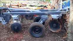 GRADE ARADORA ARADORA 16 DISCOS  1997 Tratorama Máquinas e Implementos