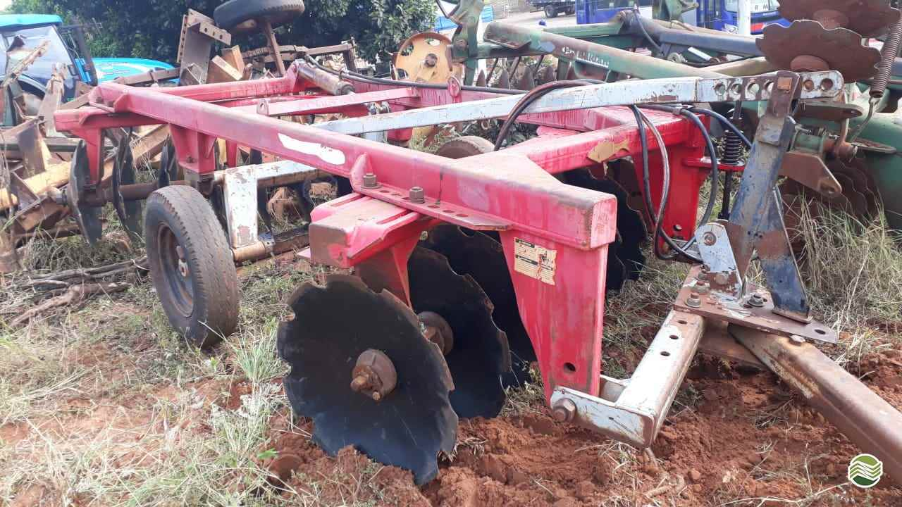 IMPLEMENTOS AGRICOLAS GRADE INTERMEDIÁRIA INTERMEDIÁRIA 16 DISCOS Tratorama Máquinas e Implementos UMUARAMA PARANÁ PR