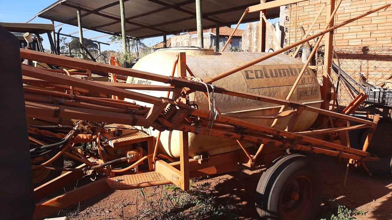 PULVERIZADOR JACTO COLUMBIA A17 Arrasto Tratores 2 Irmãos VOTUPORANGA SÃO PAULO SP