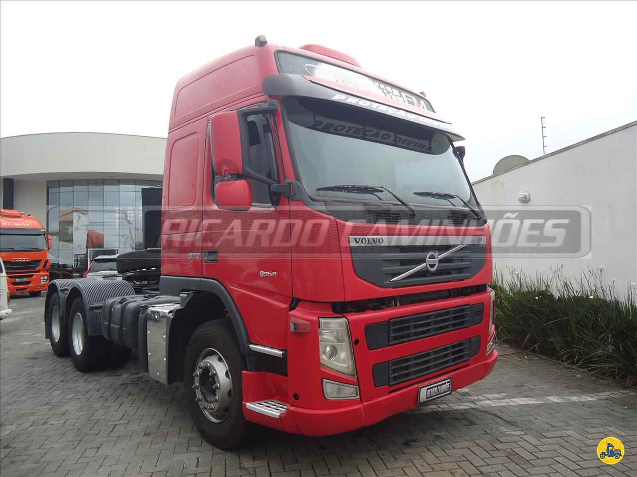 CAMINHAO VOLVO VOLVO FM 370 Cavalo Mecânico Truck 6x2 Ricardo Caminhões Curitiba CURITIBA PARANÁ PR