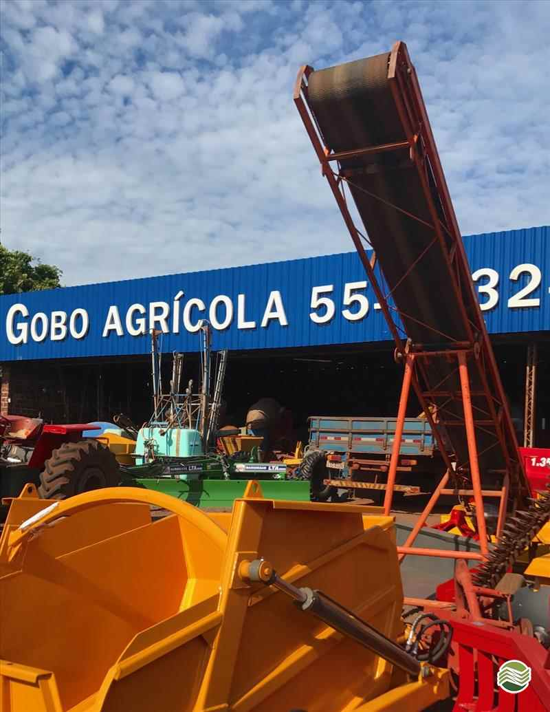 EXTRATORA ELEVADOR ESTEIRA TRANSPORTADORA  2000 Gobo Implementos Agrícolas