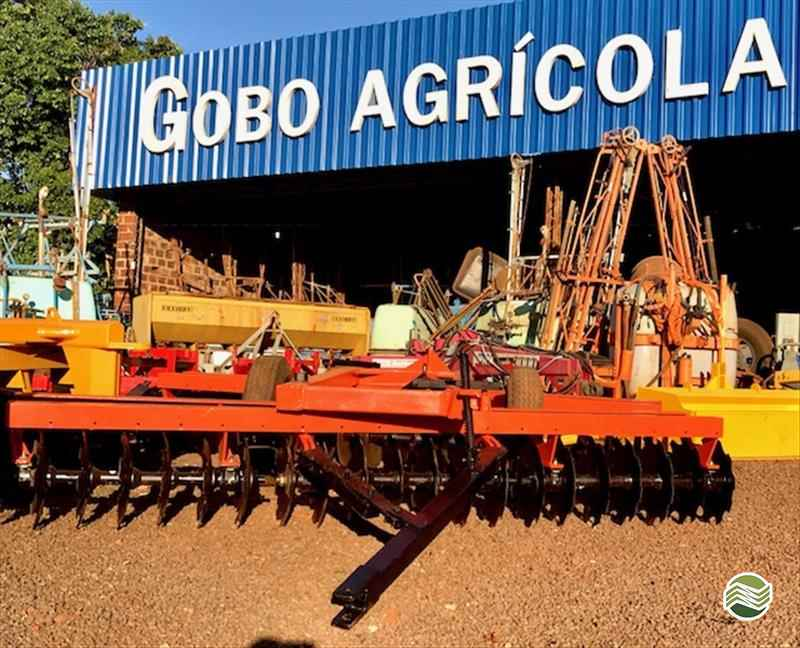 GRADE NIVELADORA NIVELADORA 42 DISCOS  2000 Gobo Implementos Agrícolas