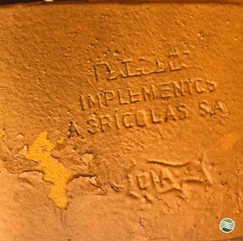 GRADE ARADORA ARADORA 20 DISCOS  2000 Gobo Implementos Agrícolas