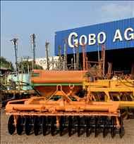 GRADE NIVELADORA NIVELADORA 28 DISCOS  2000 Gobo Implementos Agrícolas
