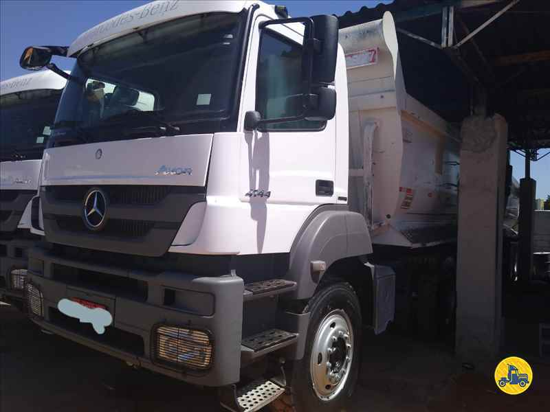 MERCEDES-BENZ MB 4141  2016/2016 Caminhões Certos
