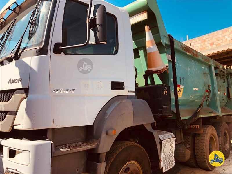 MERCEDES-BENZ MB 4141 122km 2012/2012 Caminhões Certos
