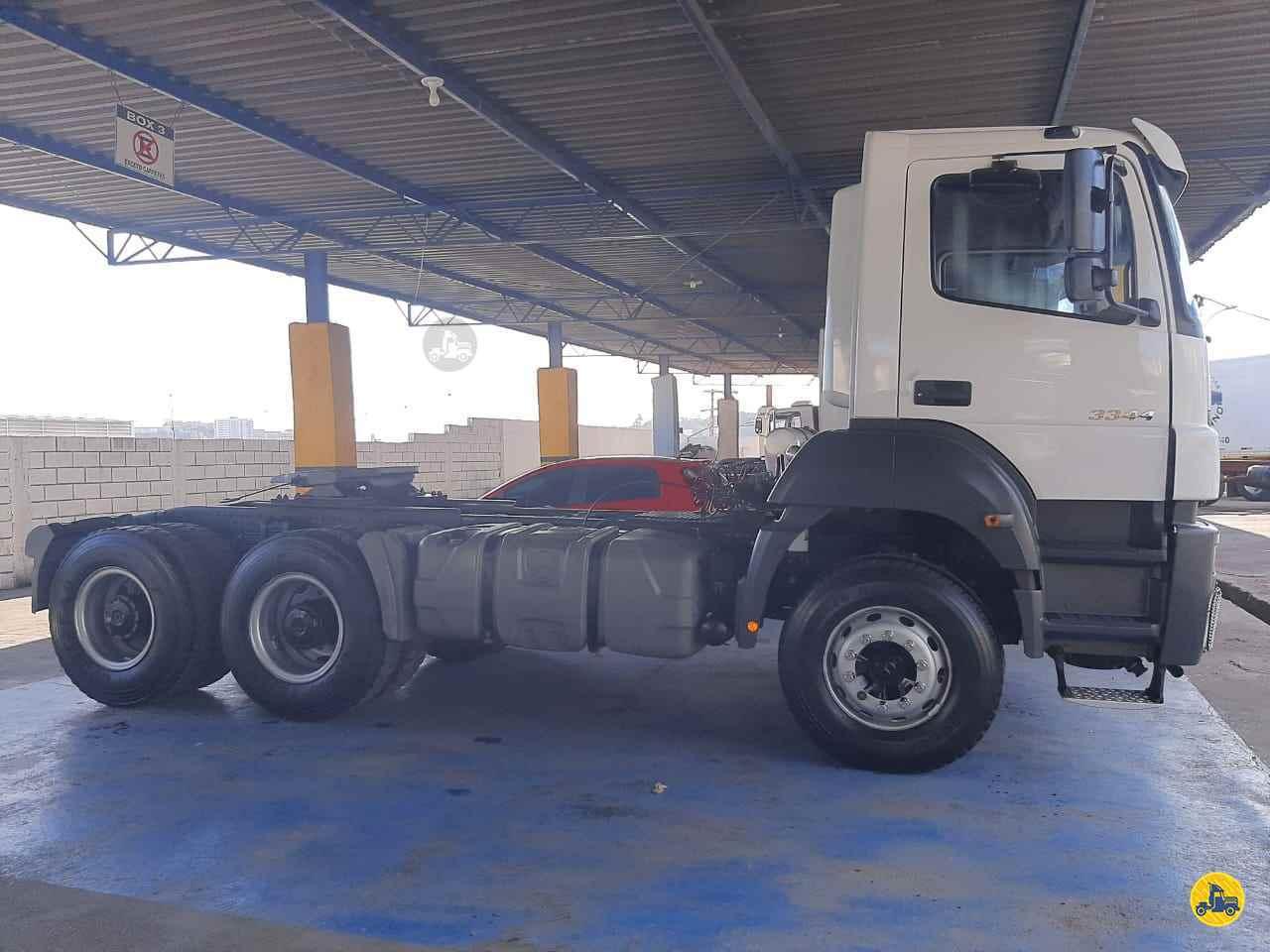 MERCEDES-BENZ MB 3344 123km 2013/2013 Caminhões Certos
