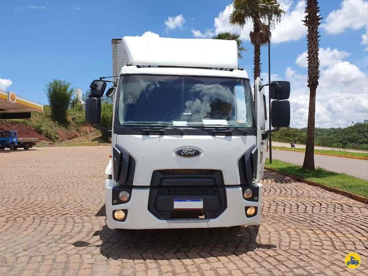 FORD CARGO 1319 621km 2014/2014 Caminhões Certos