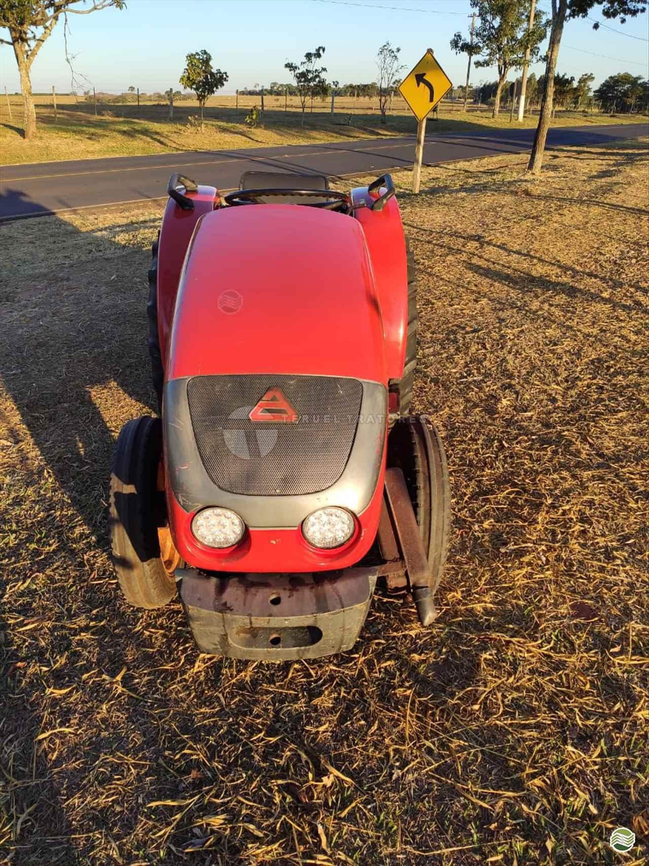 TRATOR AGRALE AGRALE 4100 Tração 4x2 Teruel Tratores ALVINLANDIA SÃO PAULO SP