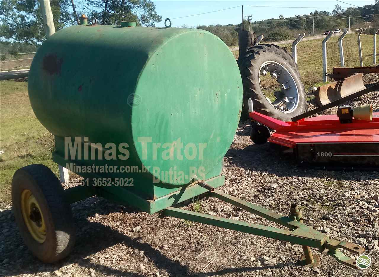 IMPLEMENTOS AGRICOLAS CARRETA TANQUE TANQUE 1500 LITROS Minas Trator BUTIA RIO GRANDE DO SUL RS