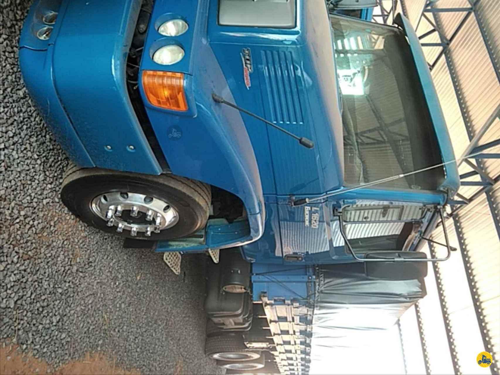 CAMINHAO MERCEDES-BENZ MB 1620 Graneleiro Truck 6x2 TVF Caminhões IPORA PARANÁ PR