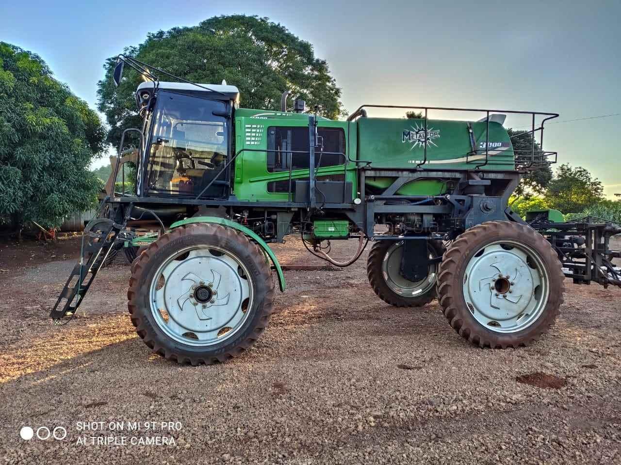 PULVERIZADOR METALFOR FUTUR 3000 Tração 4x2 Engmáquinas Agrícolas CASCAVEL PARANÁ PR