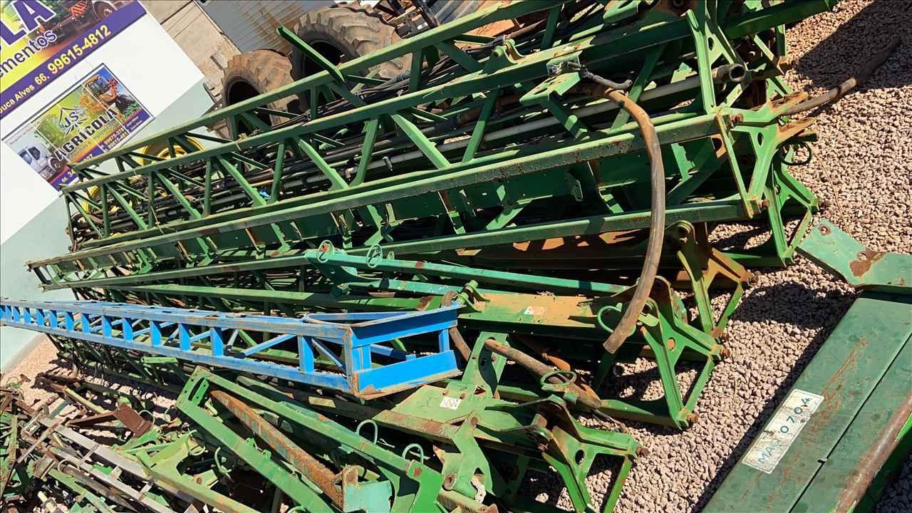 campo-verde%2fmato-grosso%2fbarras-de-pulverizador-%2fboas-%2fpulverizador%2fjohn-deere%2fjohn-deere-4630-john-deere-4730%2fjs-agricola%2f12344