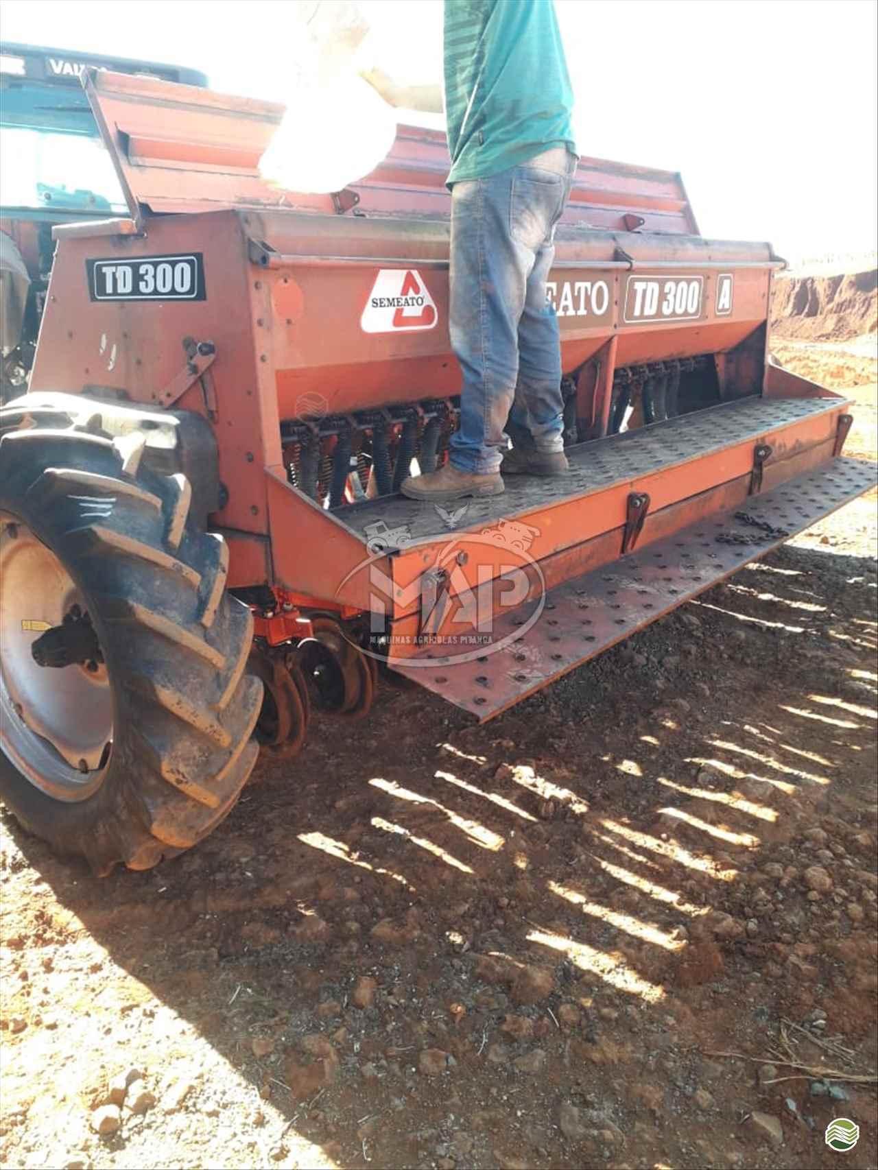 PLANTADEIRA SEMEATO SEMEATO TD300 Máquinas Agrícolas Pitanga PITANGA PARANÁ PR