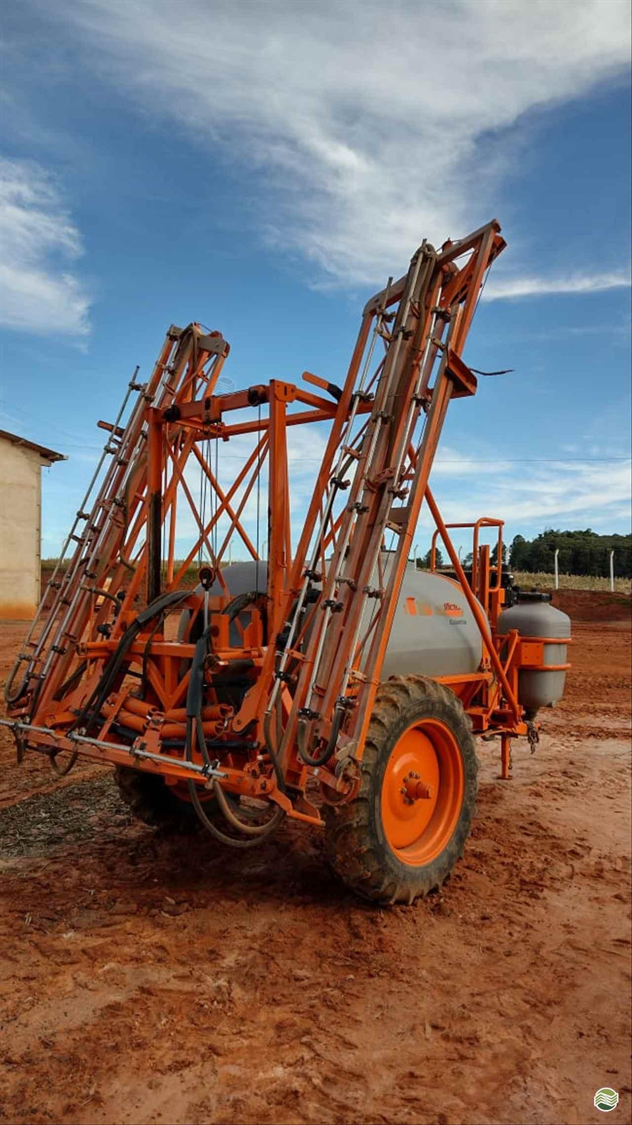COLUMBIA AD18 de Máquinas Agrícolas Pitanga - PITANGA/PR