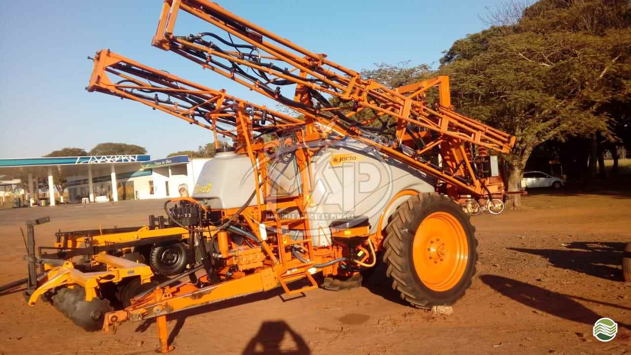 PULVERIZADOR JACTO ADVANCE 3000 AM21 Arrasto Máquinas Agrícolas Pitanga PITANGA PARANÁ PR