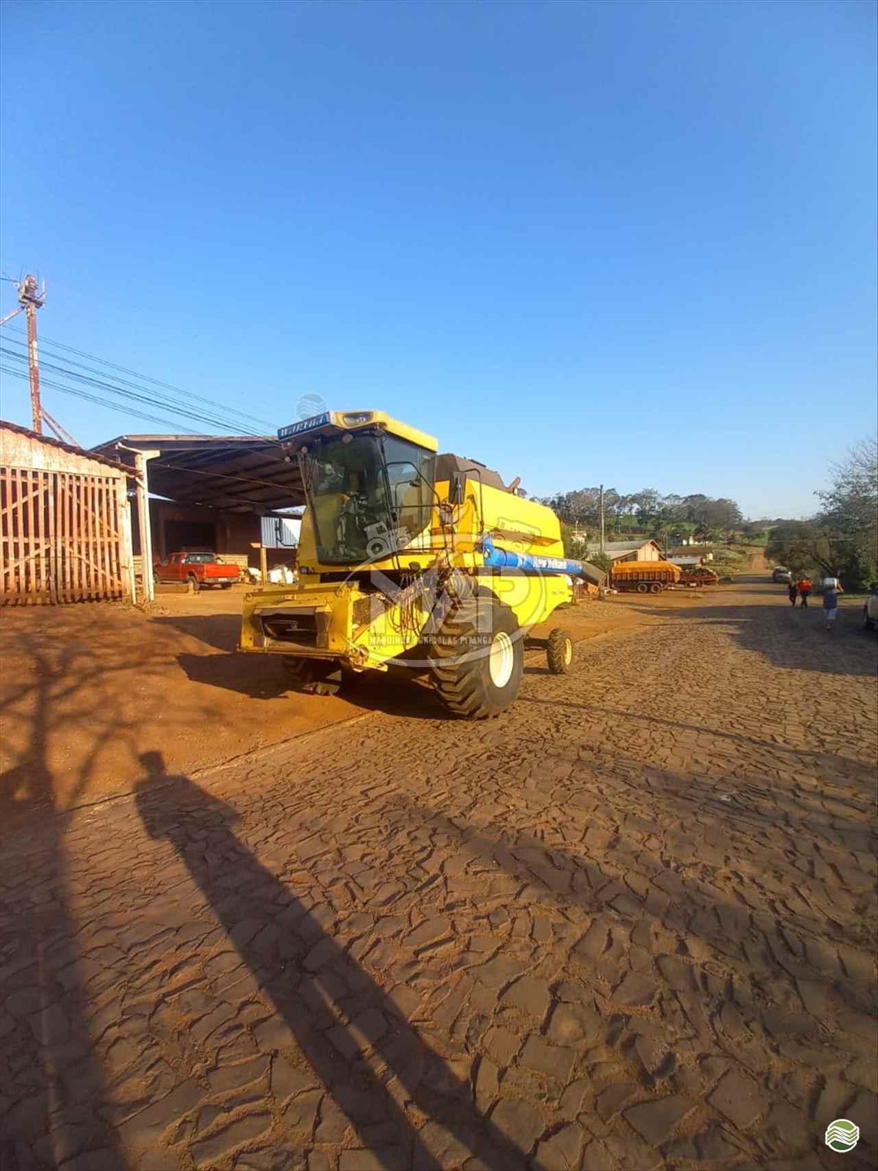 COLHEITADEIRA NEW HOLLAND TC 5070 Máquinas Agrícolas Pitanga PITANGA PARANÁ PR